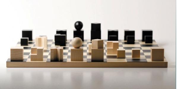 Что появилось раньше шашки или шахматы